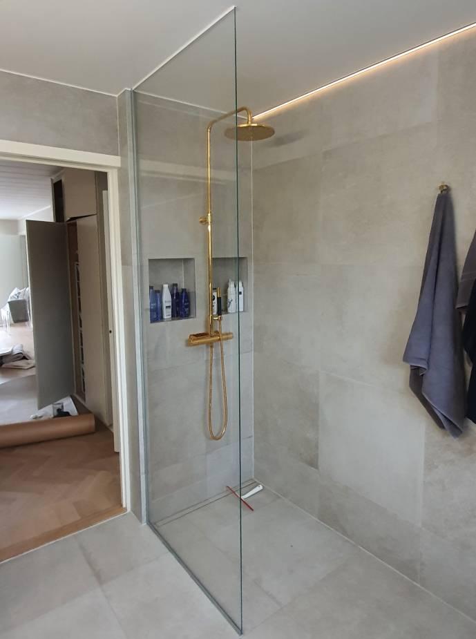 Duschvägg till badrum